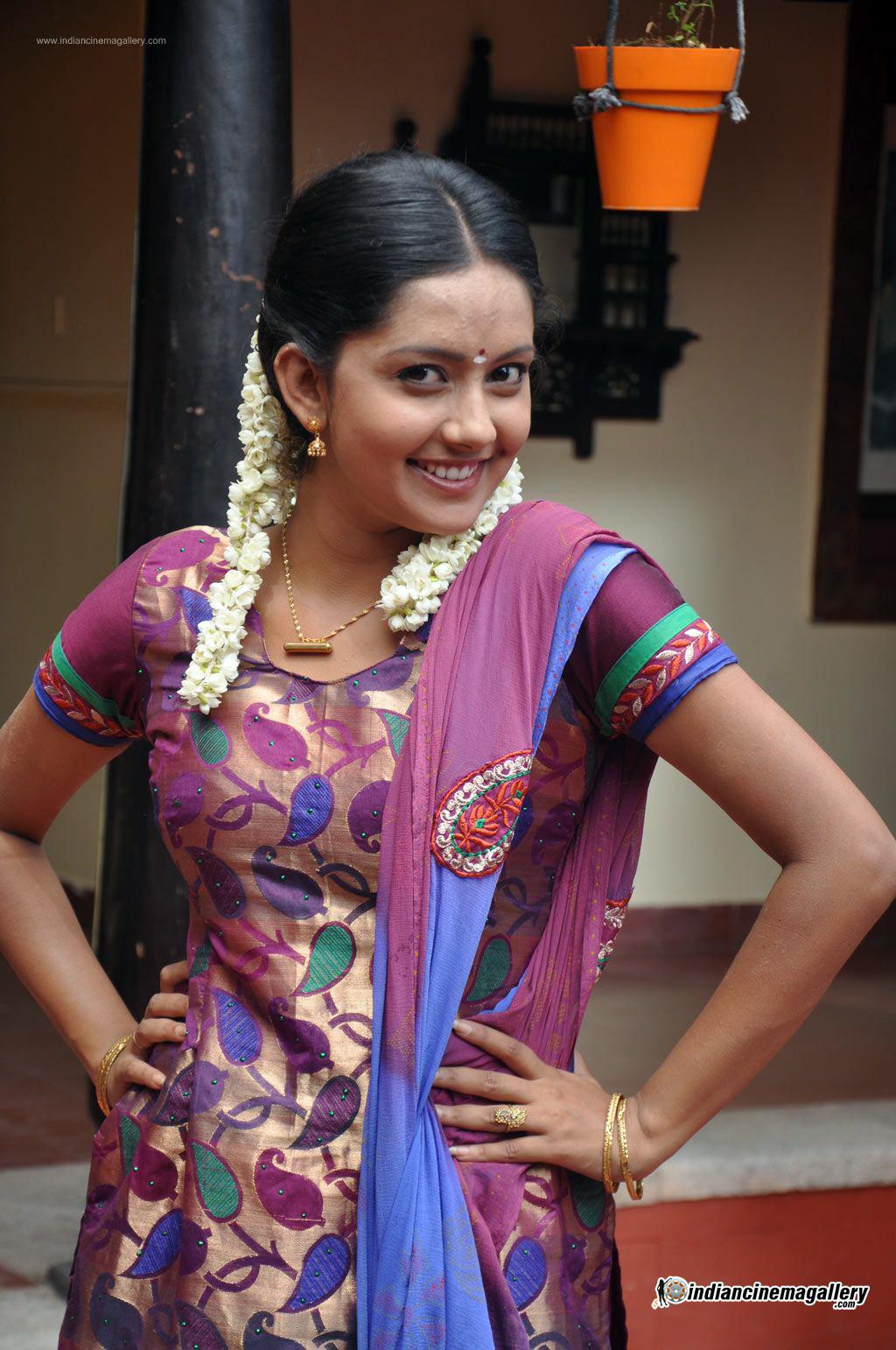 mahima-nambiar-at-agathinai-movie-press-meet-stills-36169