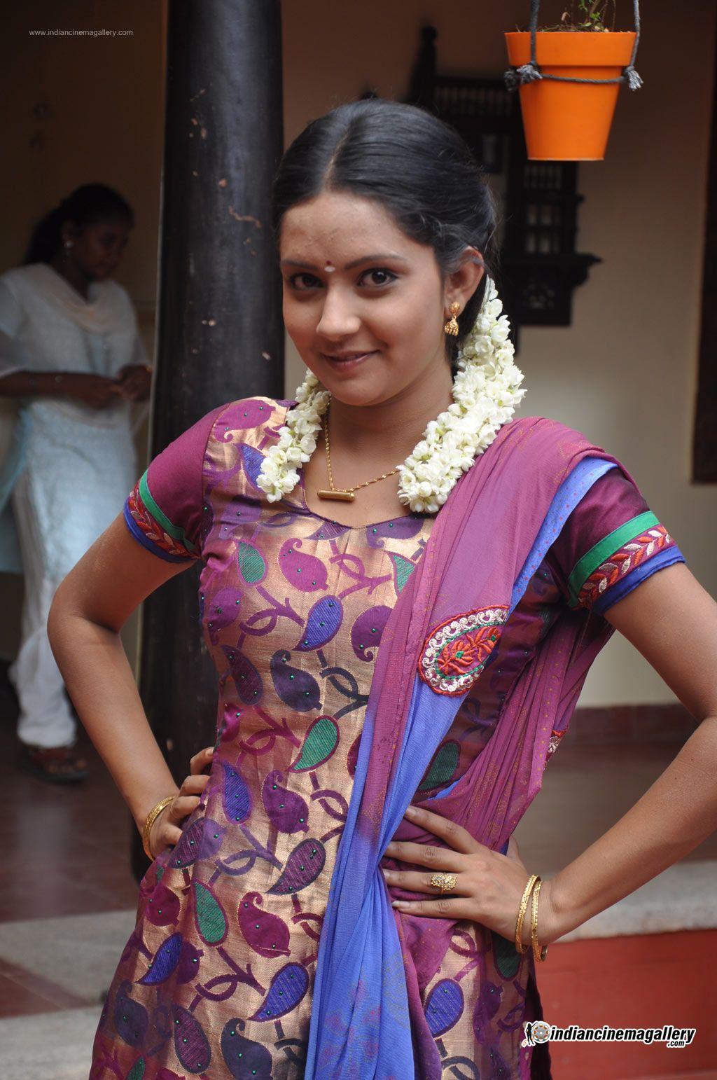 mahima-nambiar-at-agathinai-movie-press-meet-stills-47191