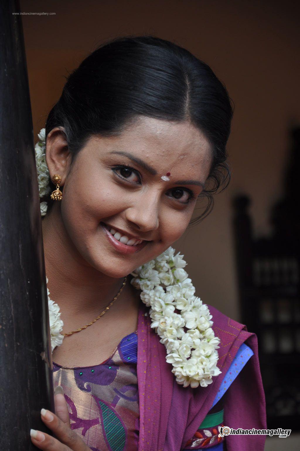 mahima-nambiar-at-agathinai-movie-press-meet-stills-64039