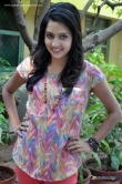 mahima-nambiar-at-ennamo-nadakkuthu-sucess-meet-215697