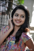 mahima-nambiar-at-ennamo-nadakkuthu-sucess-meet-34370