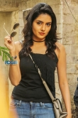 Mahima Nambiar in Asuraguru Movie (4)