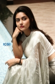 Mahima Nambiar in white dress photo shoot (12)