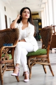 Mahima Nambiar in white dress photo shoot (17)