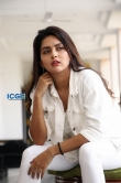 Mahima Nambiar in white dress photo shoot (19)