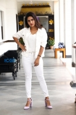 Mahima Nambiar in white dress photo shoot (24)