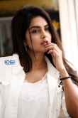 Mahima Nambiar in white dress photo shoot (26)