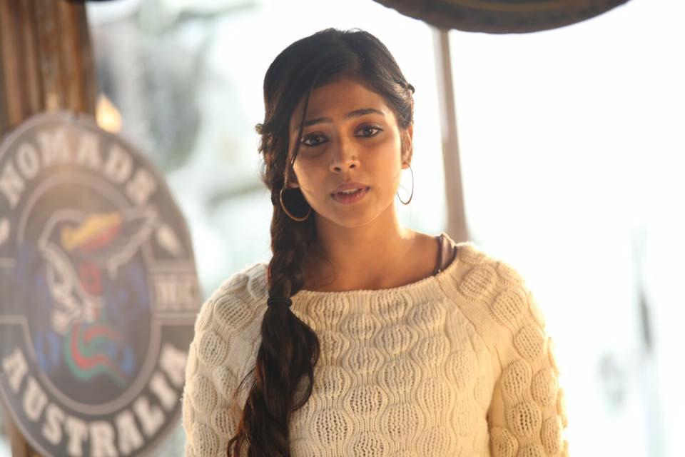 Malavika Mohanan fb stills new (21)