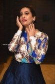 Manjusha at Meeku Maathrame Cheptha Movie Pre Release Event (11)