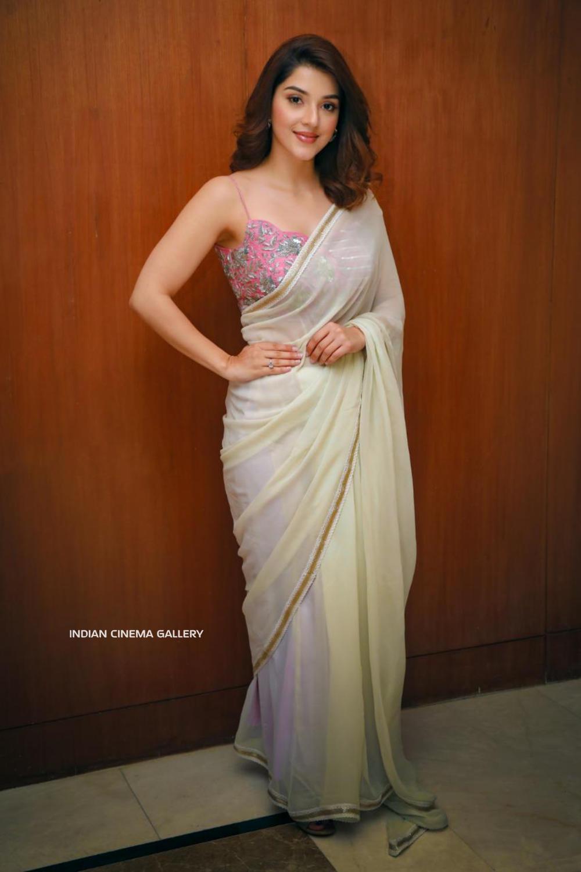 Mehreen Pirzada in saree dress (5)
