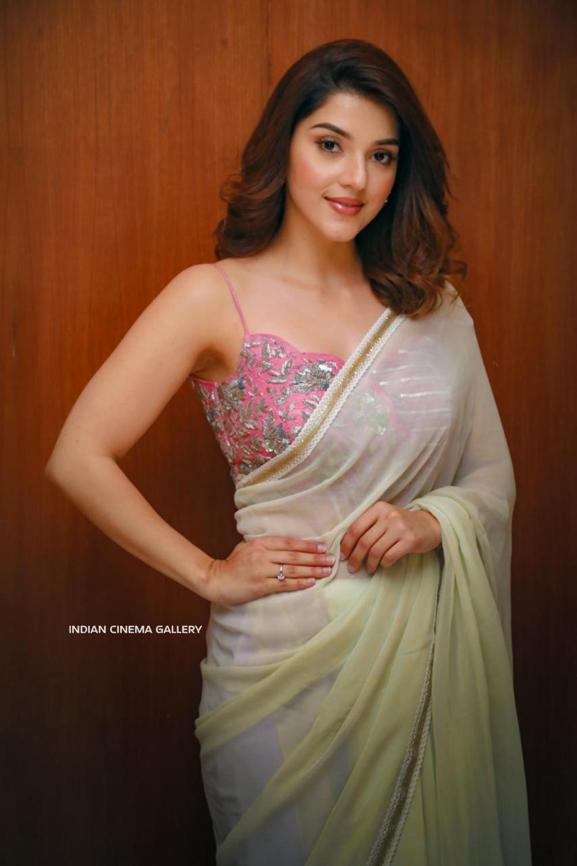 Mehreen Pirzada in saree dress (6)
