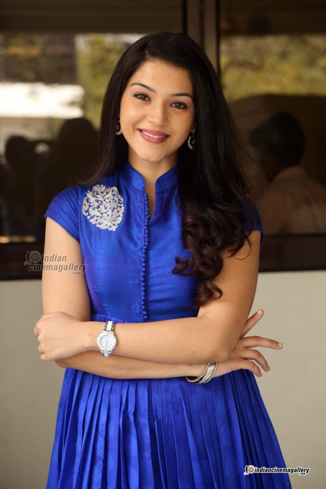 mehreen-in-blue-dress-february-2016-stills-151265