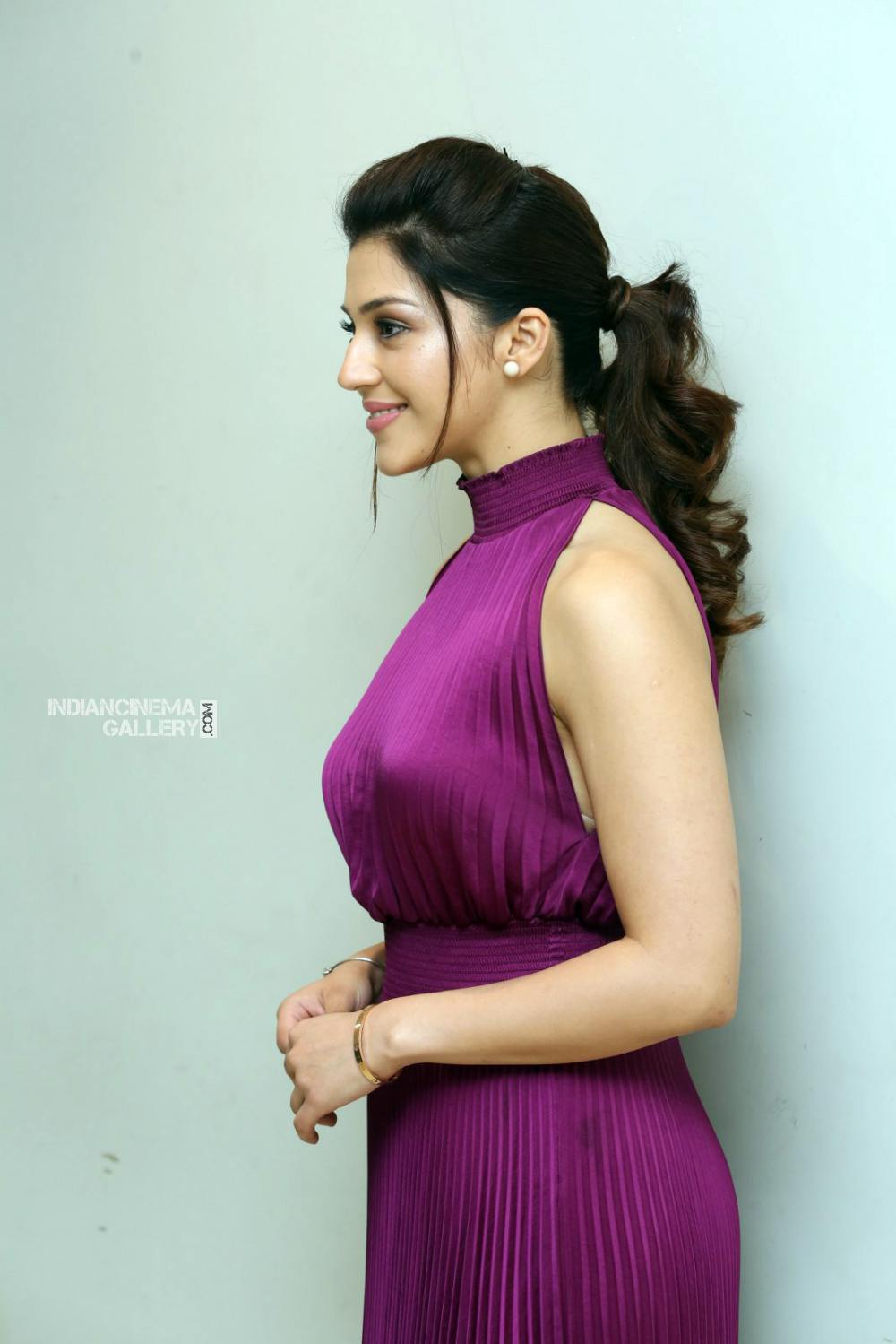 Mehrene Kaur Pirzada at f2 trailer launch (6)