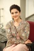 Mehrene Kaur Pirzada at Chanakya movie Trailer launch (11)