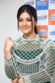 Mehrene Kaur Pirzada at Mahanubhavudu Songs Launch at Radio City stills (20)