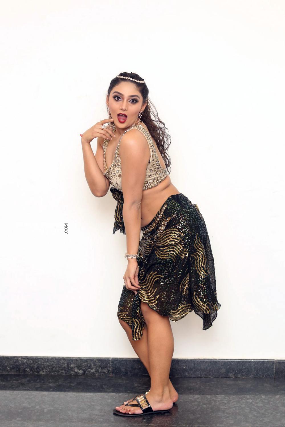 Natasha Doshi at bang bang 2019 event (17)