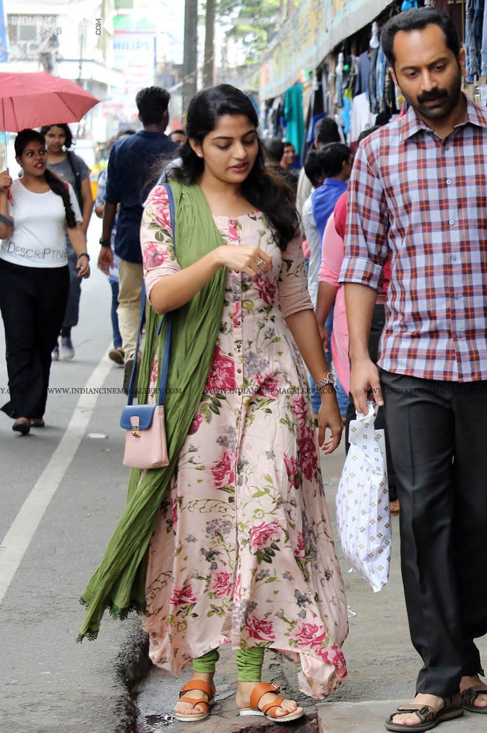 Nikhila Vimal in njan prakashan movie (6)
