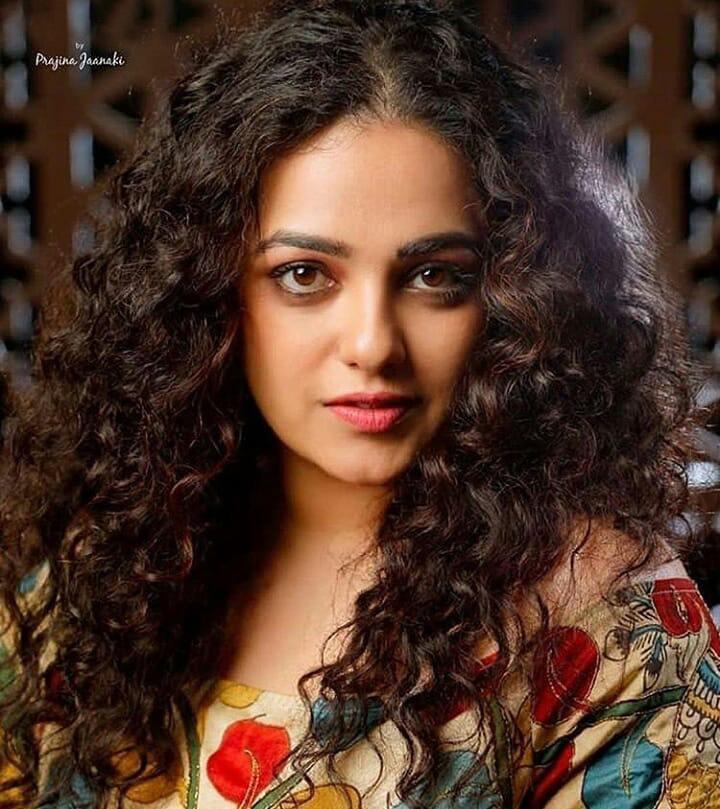 Nithya Menon new photo shoot stills (5)