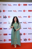 Nithya Menon at filmfare awards 2018 (2)