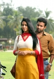 nivetha-pethuraj-in-oru-naal-koothu-movie-15489