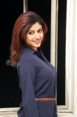 oviya-helen-at-idi-naa-love-story-logo-launch-62023