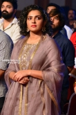 Parvathi menon at asianet film awards 2018 (8)