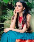 Parvathy-Nair-in-red-and-blue-dress-1