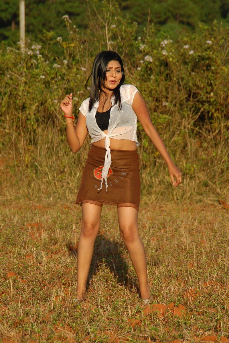 actress-pooja-roshan-photo-206150