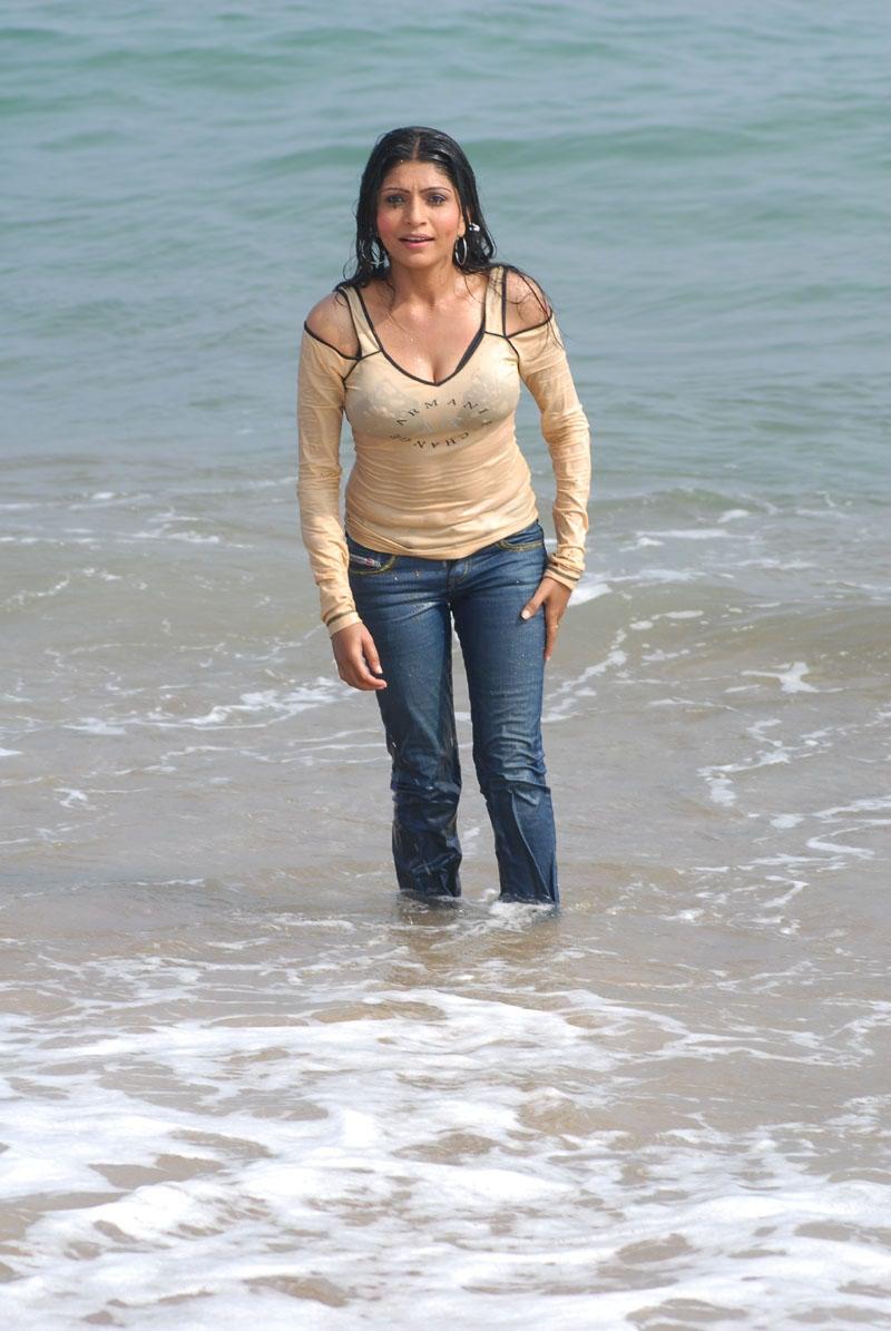actress-pooja-roshan-photo-225282