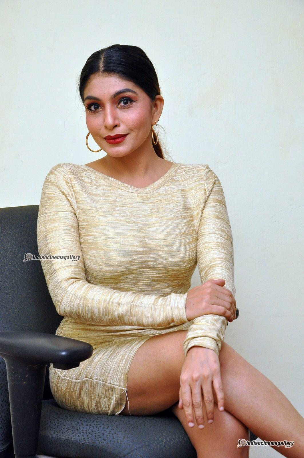 pooja-roshan-at-box-movie-audio-launch-66677