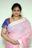raasi-mantra-during-her-interview-stills-73801