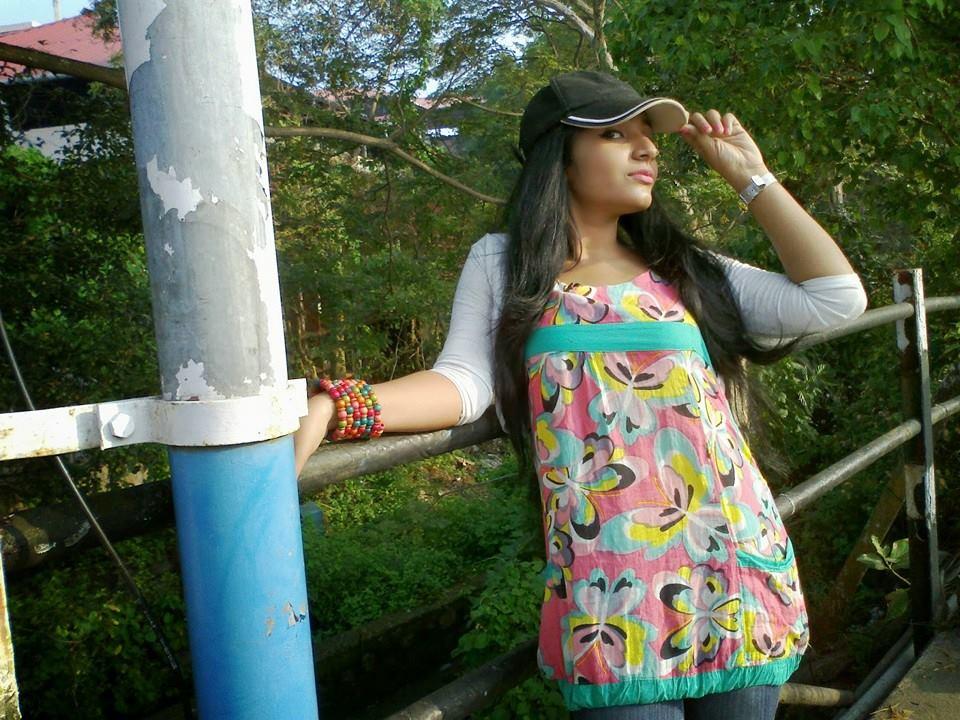 actress-rajisha-vijayan-stills-107534