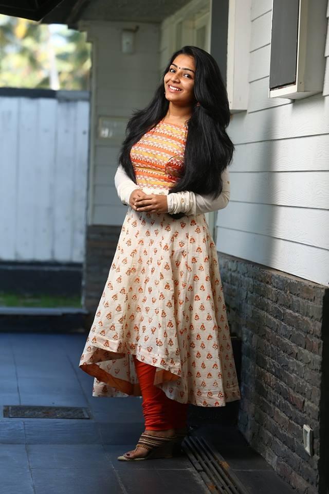 actress-rajisha-vijayan-stills-24122