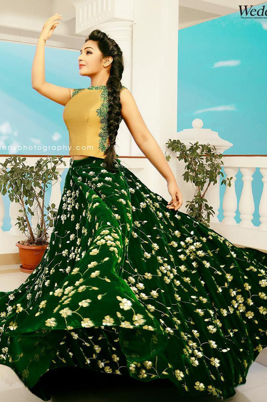 rajisha-vijayan-grihalakshmi-photo-shoot-by-seny-22389