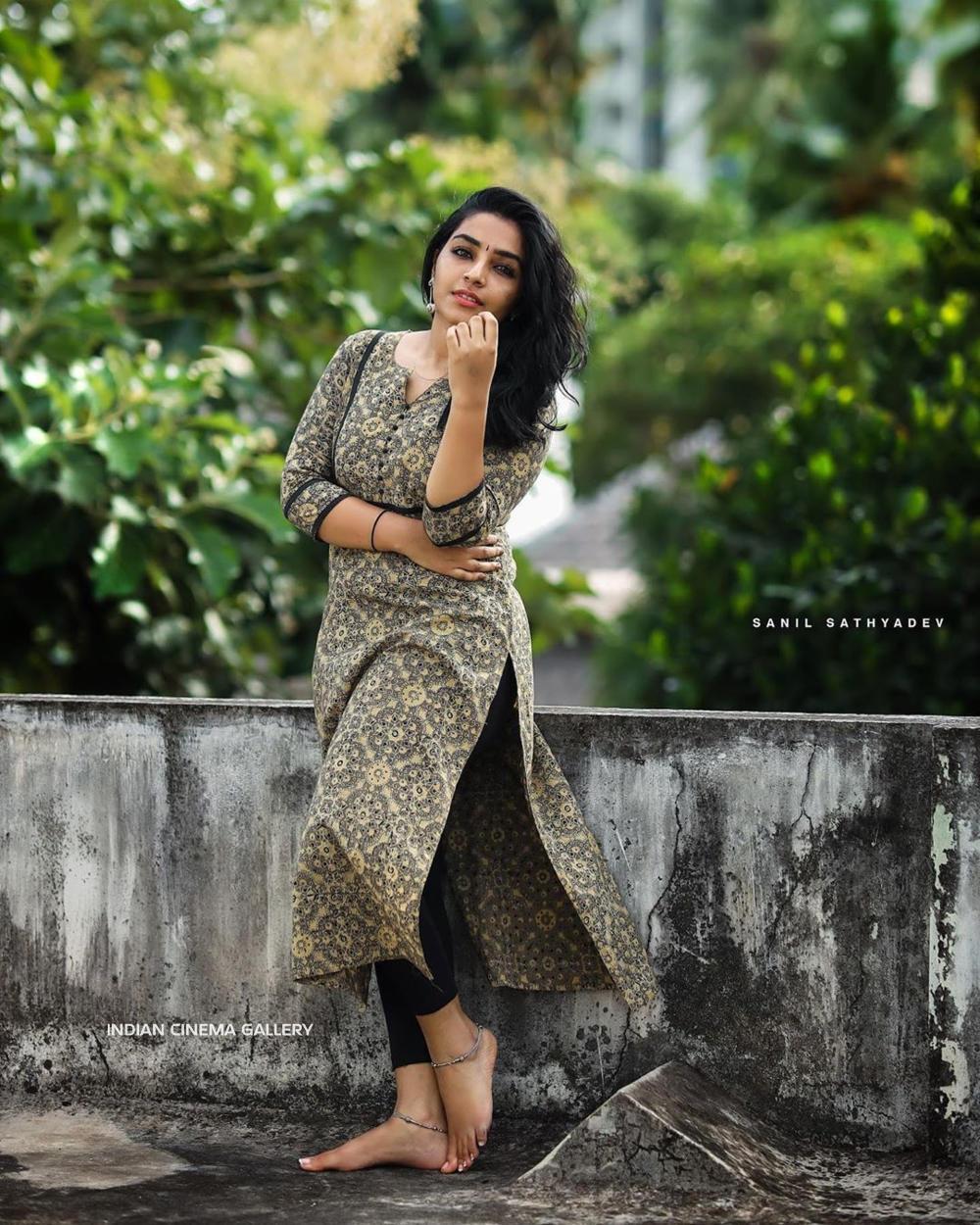 Rajisha Vijayan Instagram Photos(10)