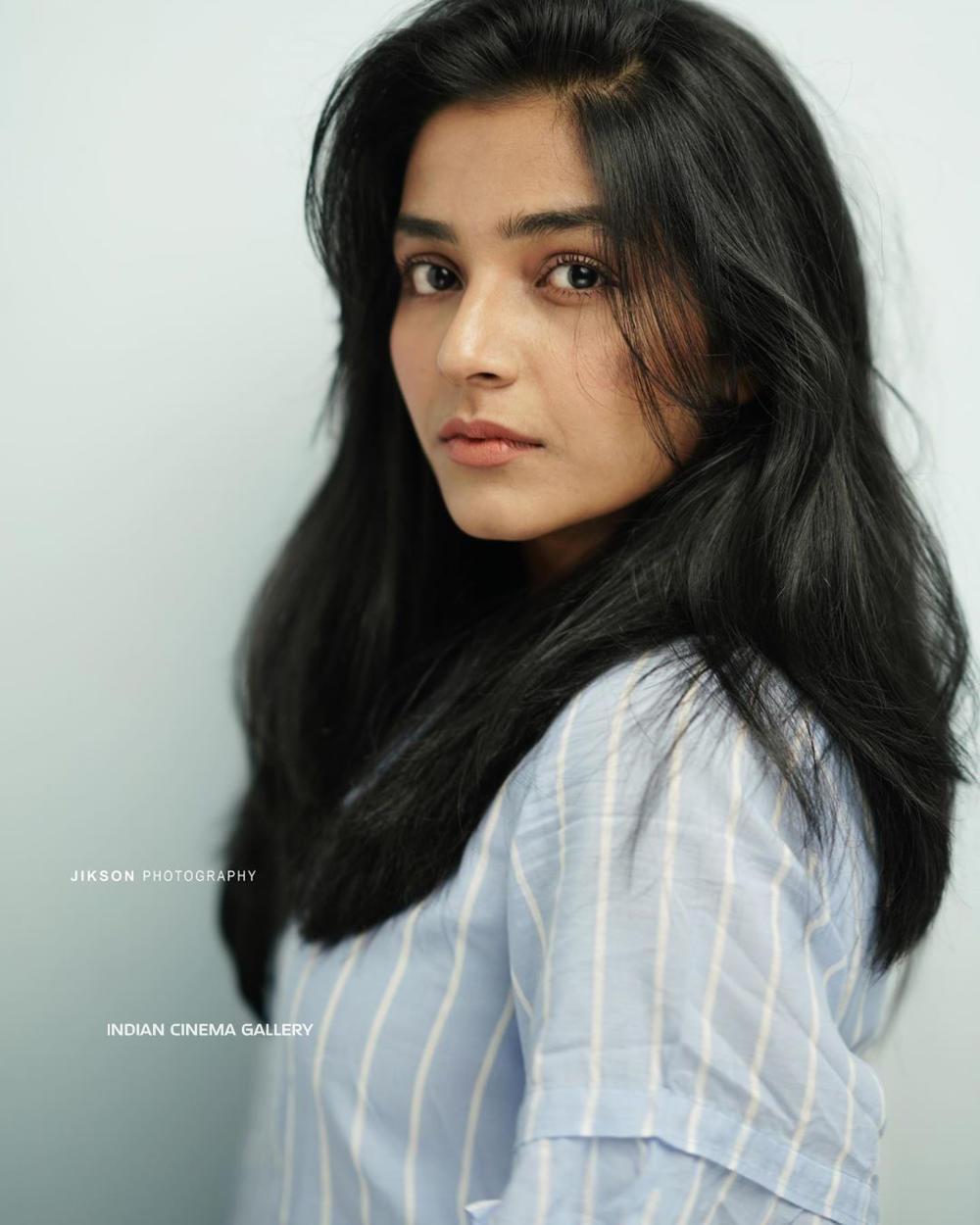 Rajisha Vijayan Instagram Photos(13)