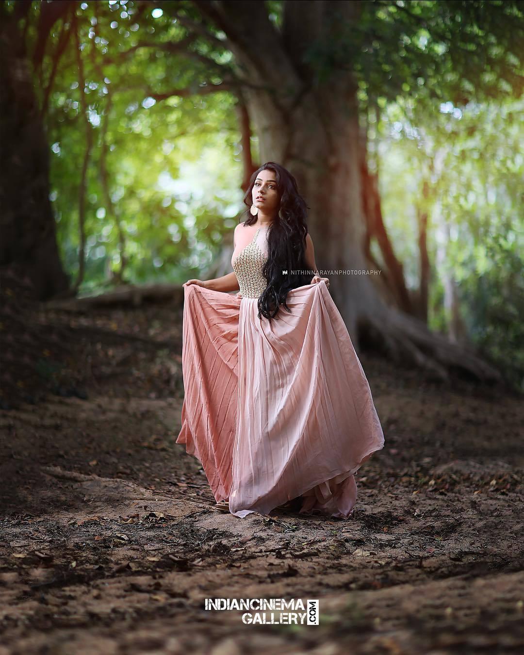 Rajisha Vijayan Photo shoot by nithin narayan (1)