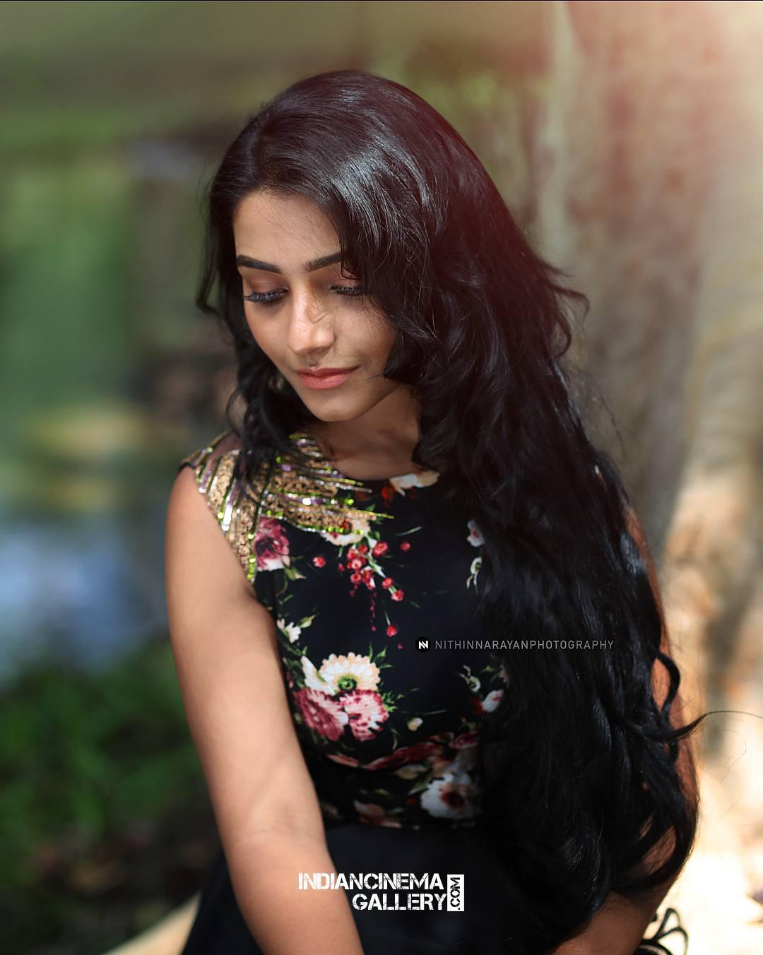 Rajisha Vijayan Photo shoot by nithin narayan (4)