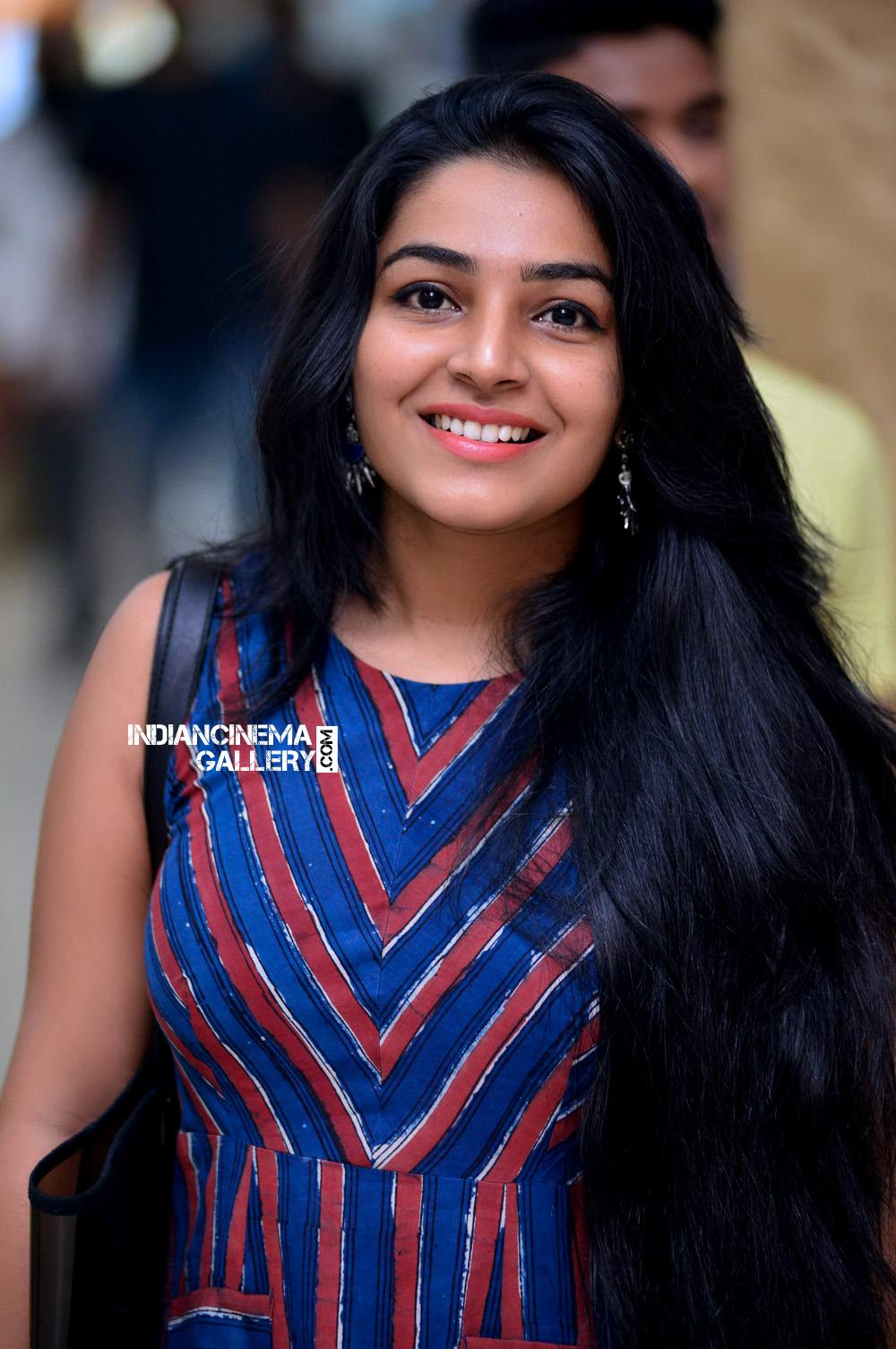 Rajisha Vijayan at Hey Jude Success meet (14)