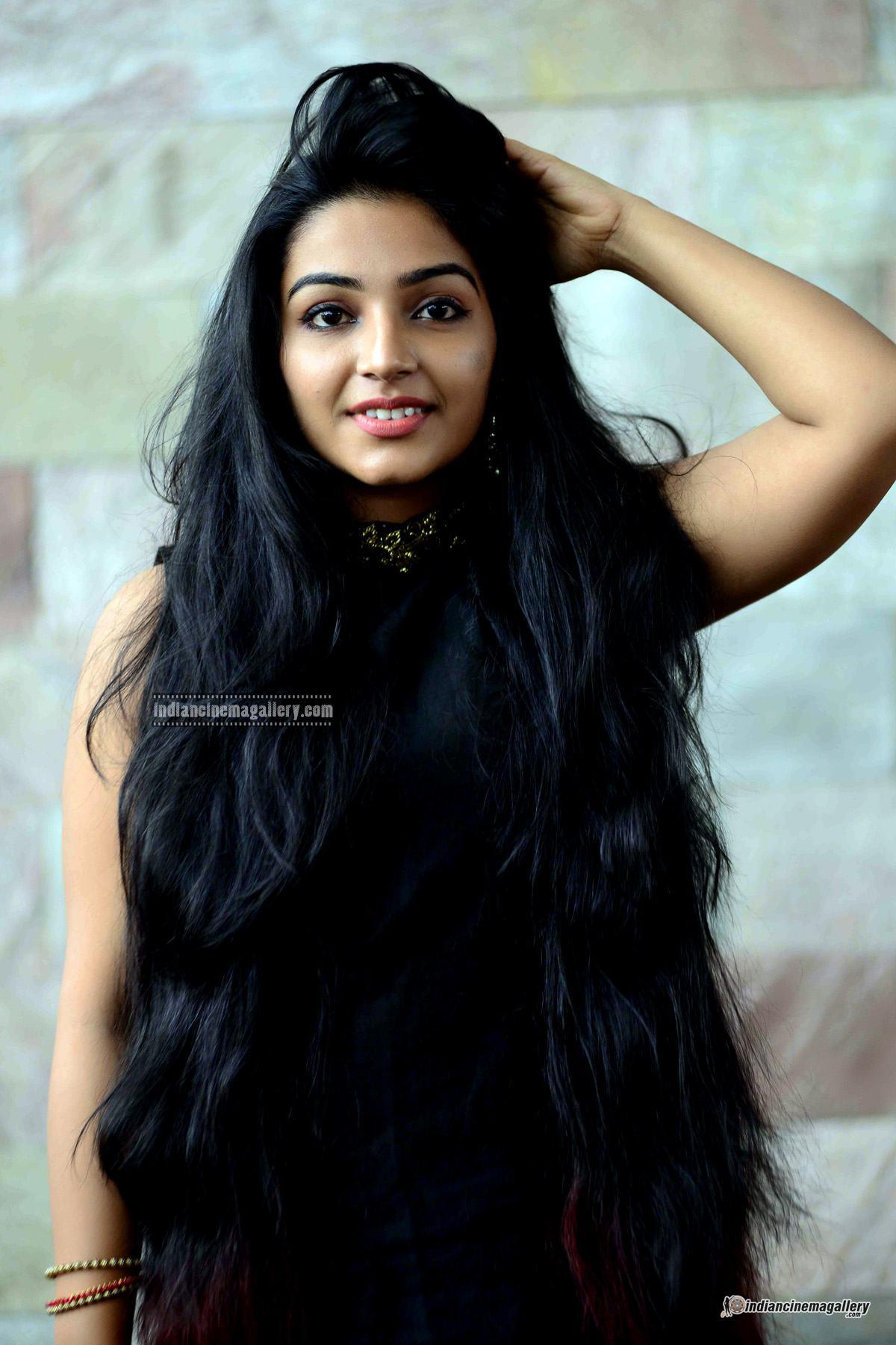 Rajisha Vijayan at Naji Mohammed Baji wedding (10)