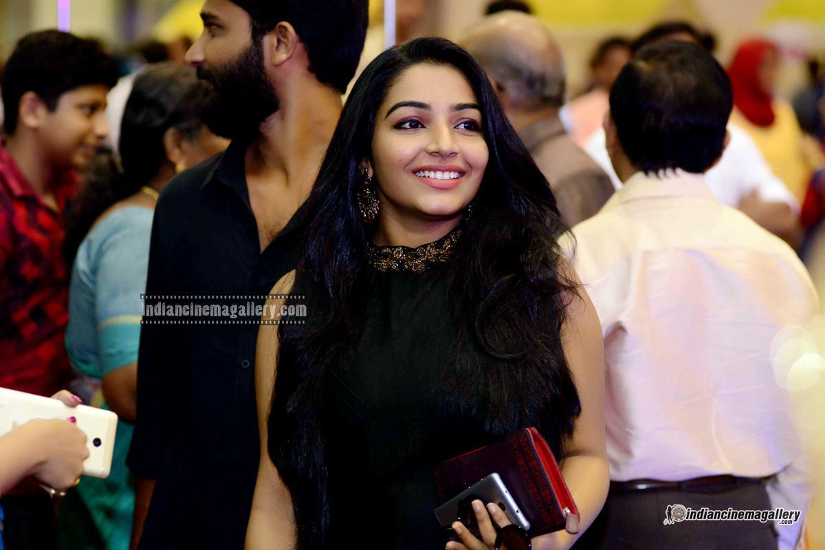 Rajisha Vijayan at Naji Mohammed Baji wedding (2)