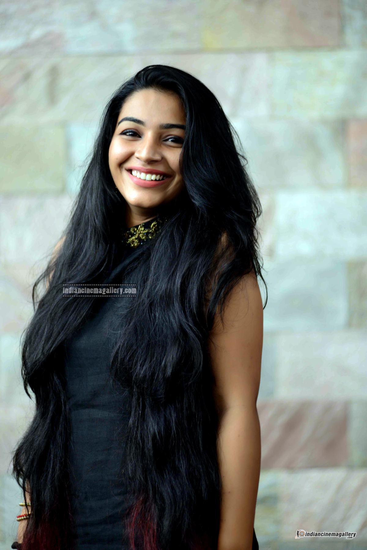 Rajisha Vijayan at Naji Mohammed Baji wedding (8)