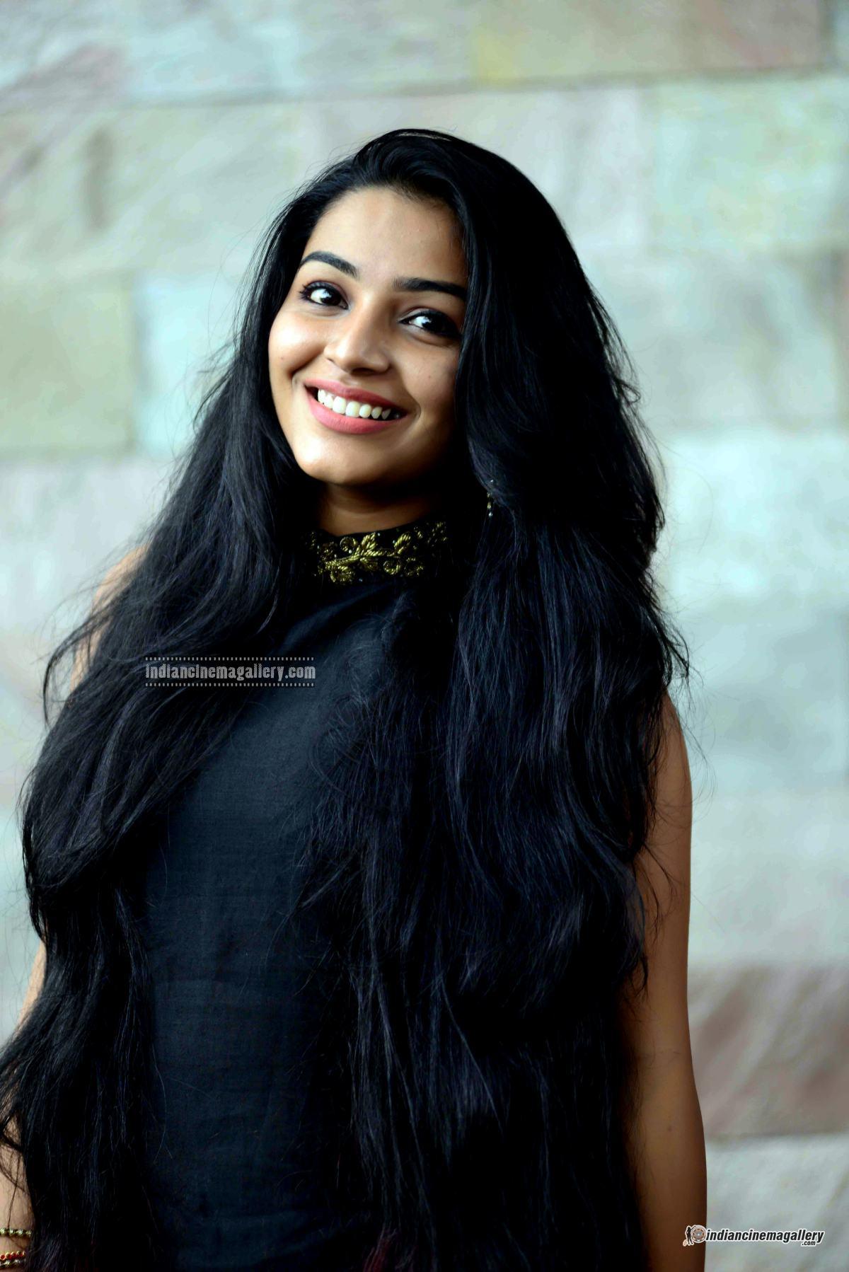 Rajisha Vijayan at Naji Mohammed Baji wedding (9)