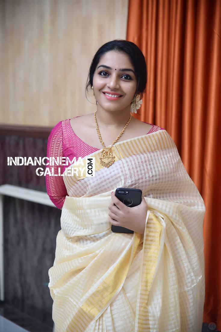 Rajisha Vijayan at Roby Varghese Wedding (4)
