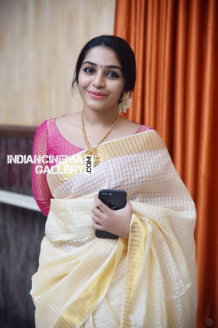 Rajisha Vijayan at Roby Varghese Wedding (5)