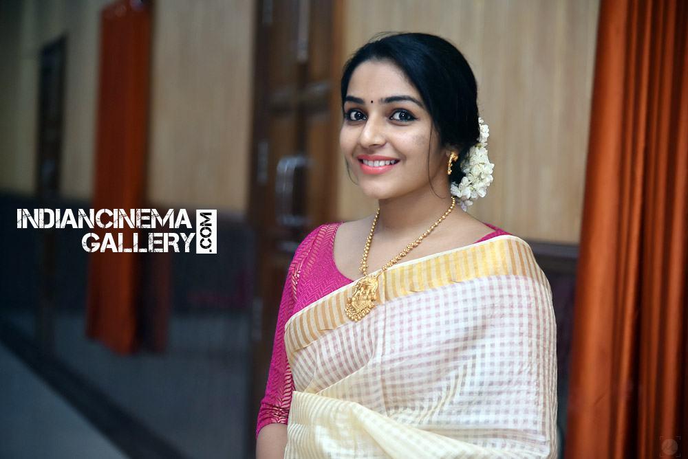 Rajisha Vijayan at Roby Varghese Wedding (9)