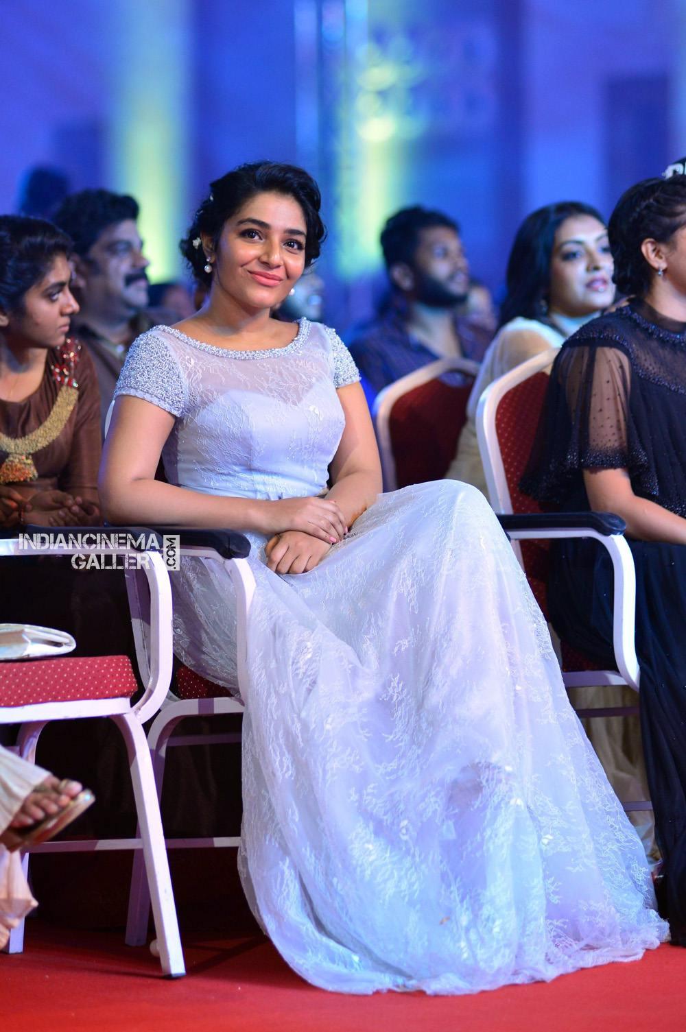 Rajisha Vijayan at asianet film awards 2018 (12)