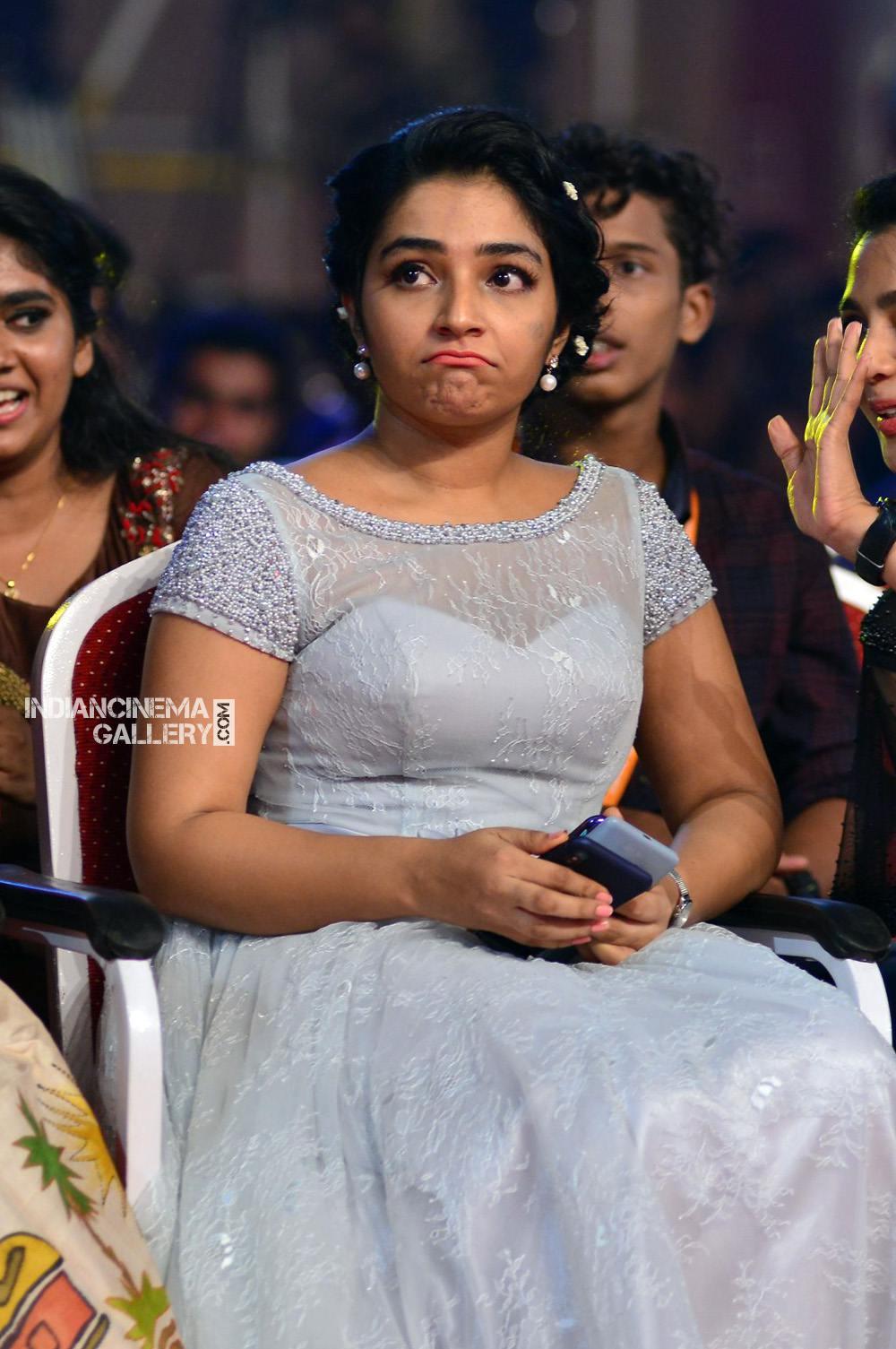 Rajisha Vijayan at asianet film awards 2018 (7)