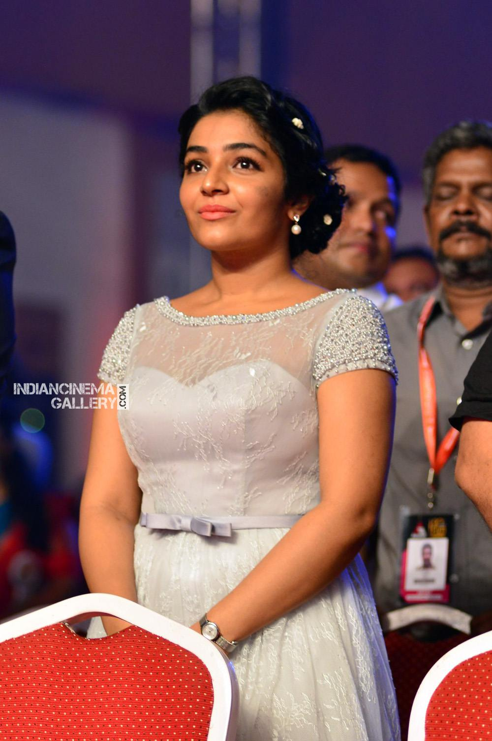 Rajisha Vijayan at asianet film awards 2018 (8)