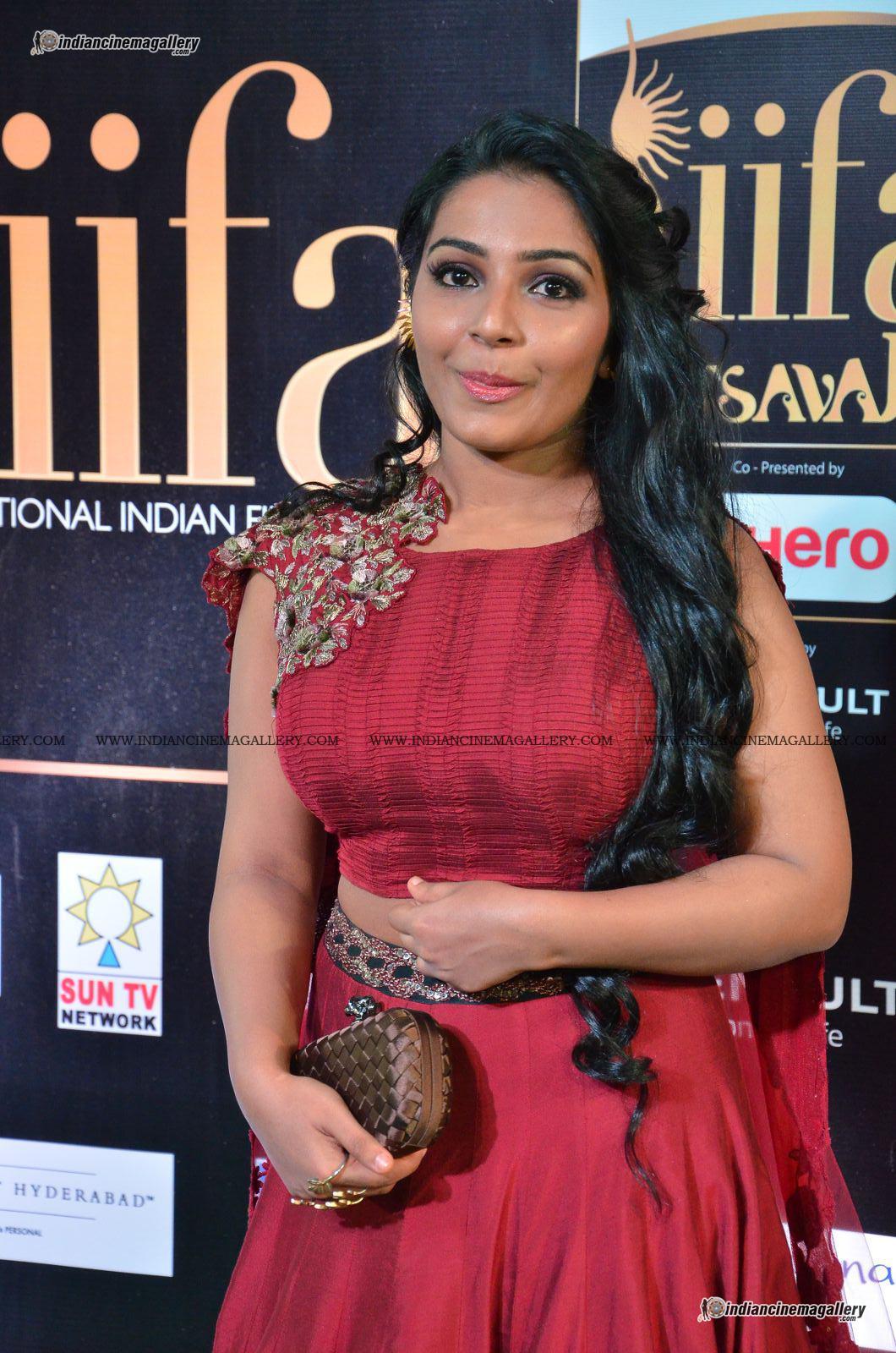 rajisha-vijayan-at-at-iifa-utsavam-awards-2017-15728